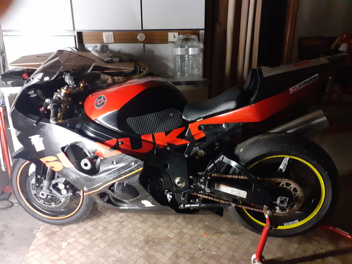 SUZUKI GSXR K3 PISTE
